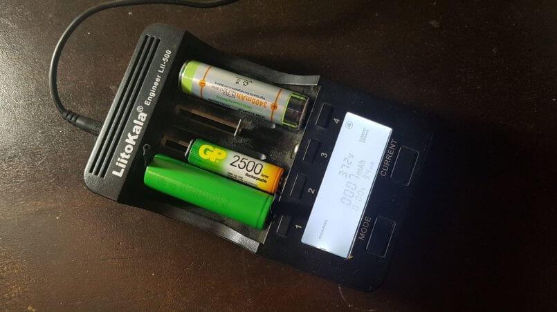 зарядное устройство для аккумулятора 18650 LiitoKala 500