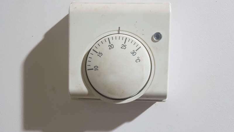 механический комнатный термостат